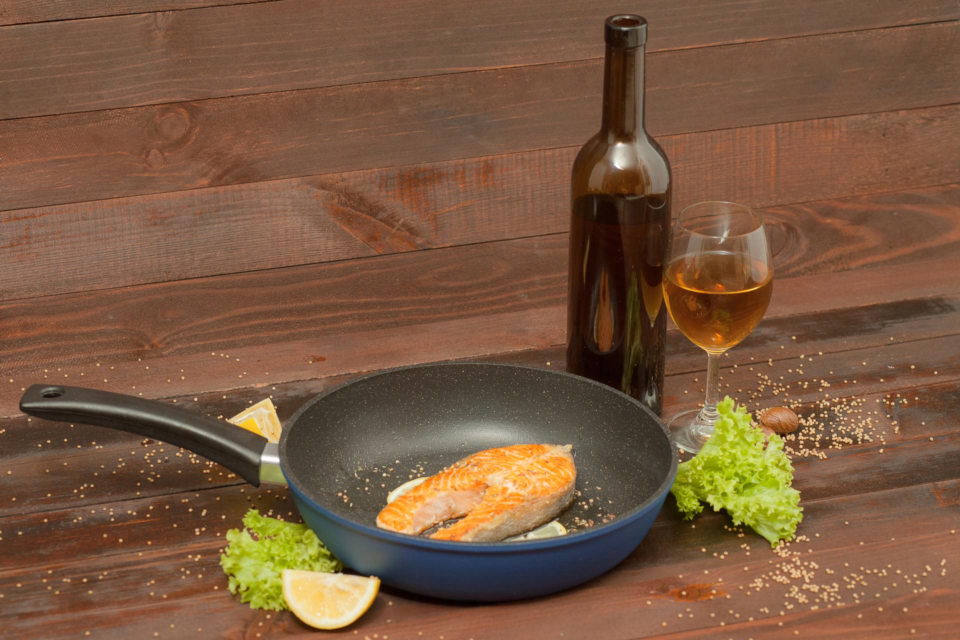 Посуда с наружным декоративным покрытием